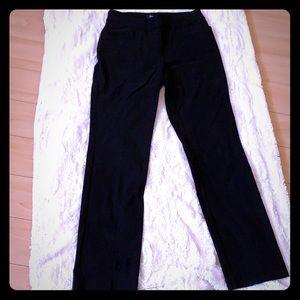 👠 Black dress pants . Never worn
